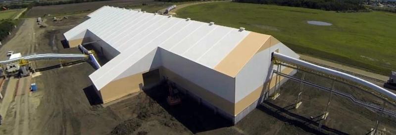 Más de 400 pies de largo - un acre y medio de construcción